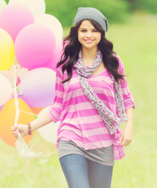 selenatic:  26/50 photos of selena gomez