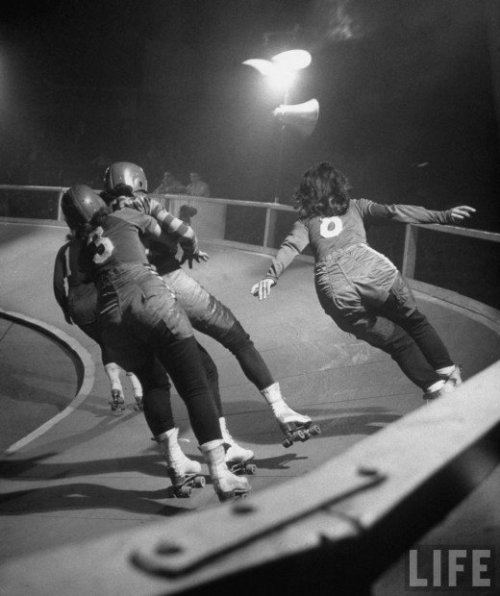 allison-meow:  Women's Roller Derby, 1948