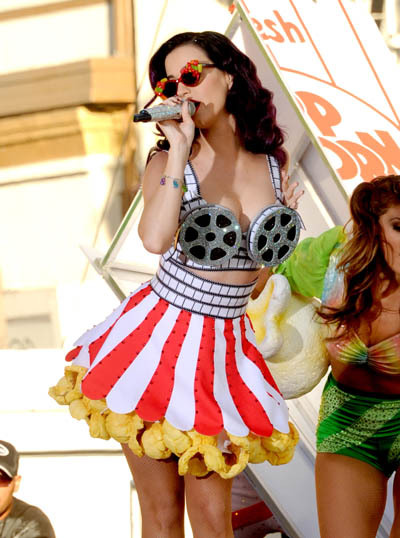 What do you think of Katy's latest costume? Super cute or a bit too much?  Take our poll! http://www.bopandtigerbeat.com/2012/06/poll-what-do-you-think-of-katys-costumes/