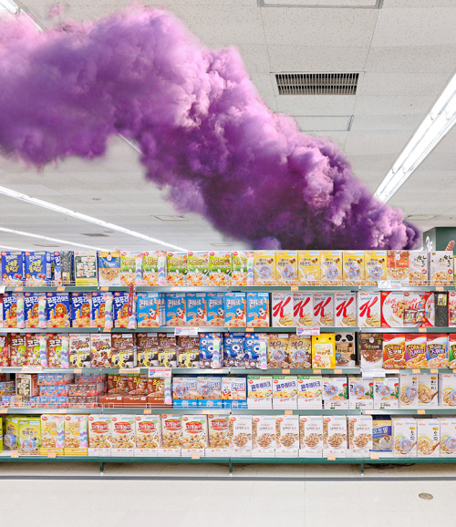 pootee:  SMOKE BOMB IN A KOREAN GROCERY STORE, 2012Performance≸