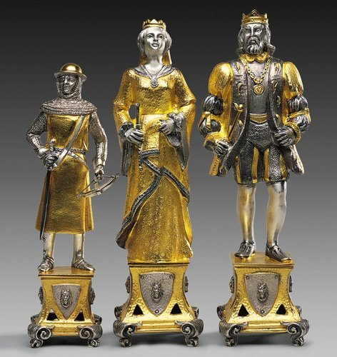 The Lorenzo de Medici chess set by Piero Benzoni, now only $75,000.