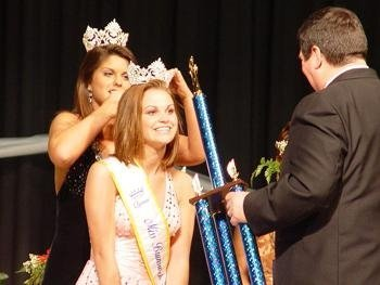 Throwback Thursday: Winning a pageant my senior year of high school (2008). It felt good!