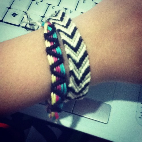 #bracelet #friendship #handmade #DIY #craft #instamood #instagram #photooftheday #colorful #selfmade (Taken with Instagram)