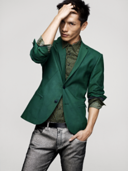 H&M Autumn 2012 Collection  This dark ivory green blazer is one of my favorite look from the Fall collection. Super affordable and super chic.  What are your thoughts?