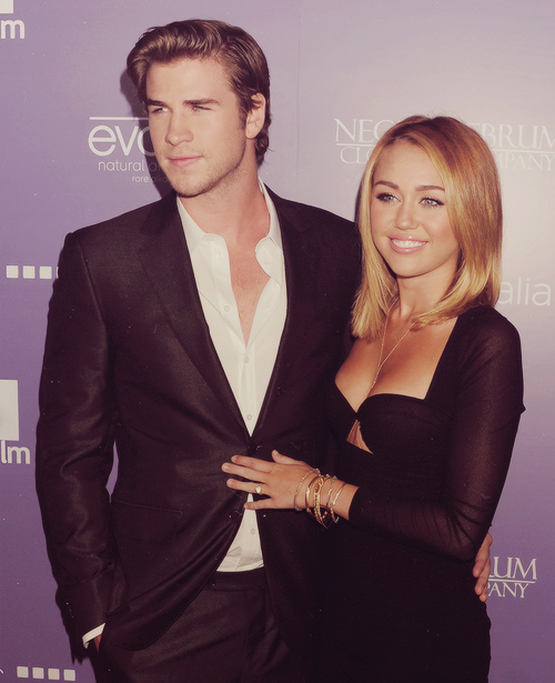 30/30 pictures of miley & liam (★)