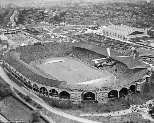 pitchinvasion:  Aerial shot of the 1935 FA Cup Final at Wembley Stadium, with 93,204 in attendance. Sheffield Wednesday defeated West Bromwich Albion 4-2.  how the times have changed