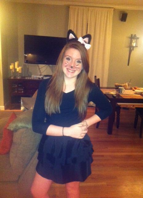 this is my best friend Allie:)  She´s so pretty, cute costume! We ship her with: Harry Their first date: a resturant in Paris Her outfit: