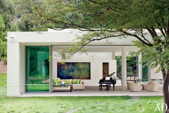 Architect Michael Lehrer crafts a home of glass and steel artfully in tune with its Arcadian surroundings. Click to see more of the Los Angeles villa.