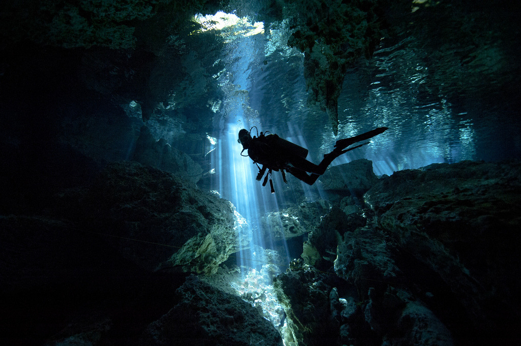 Cenote in Mexico (by alastair.pollock)