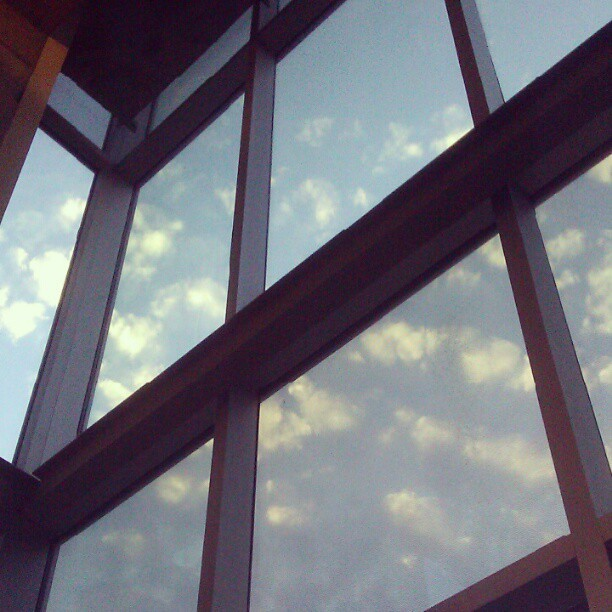 #sky #window #summer by @anbywarhal at instagram