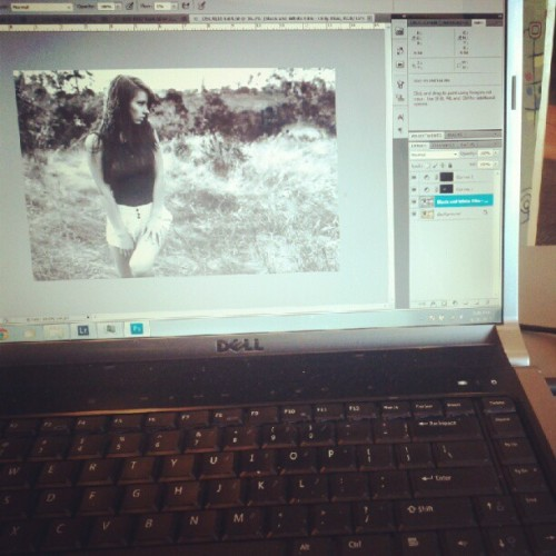 ajgarciaphotography:  Getting my work on in Panera.  (Taken with Instagram)    AJ editing my photos! Gimme!!
