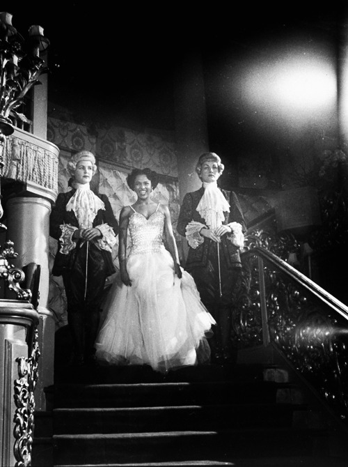 deforest:  A radiant Dorothy Dandridge descends the staircase in a London nightclub, photographed by Larry Burrows, 1951.