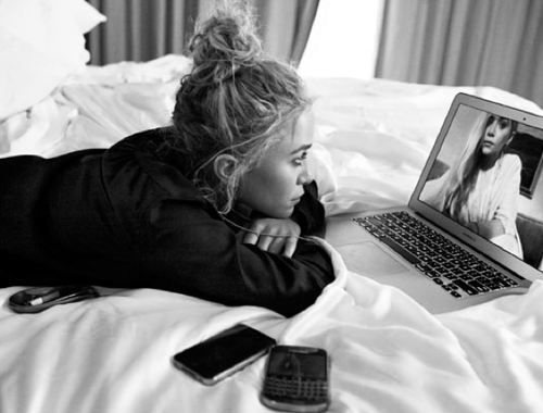 blua:  Mary Kate and Ashley Olsen on Skype