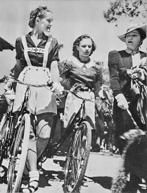 girlsandmachines:  Modern young cyclists in Paris, by Brassaï, 1938.