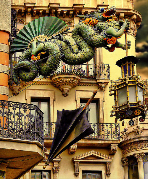 amordelamevavida:  visitheworld:  Architectural details on La Rambla street, Barcelona, Spain   Can I just draw the attention to the railings? All of the wrought iron/steel in the city is absolute gorgeous