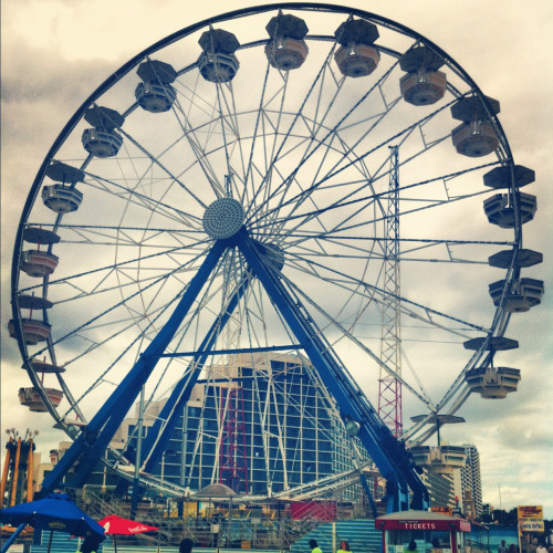i-can-barelybreathe:  Ferris wheels remind me of the notebook
