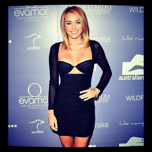#mileycyrus #girlcrush #GORGE #eonline #fashion #style #trend #lookbook #cookienji  (Taken with Instagram)