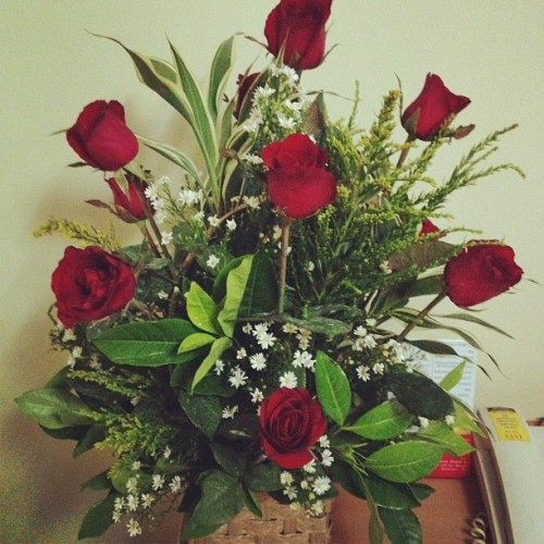 Thank you for the lovely flowers, @toneepornobi!😘 (Taken with Instagram at St. Luke's Medical Center)