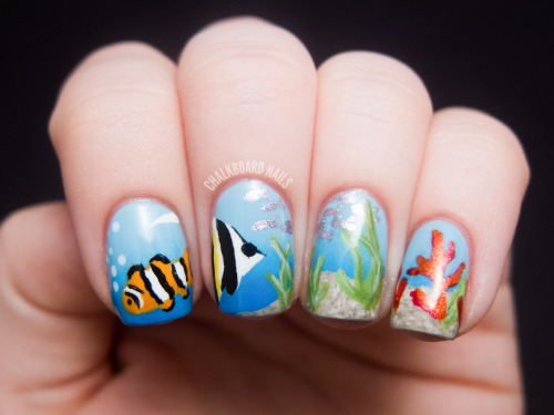 chalkboardnails:  Ocean Scene Nail Art - View post for more pictures and full list of colors used.
