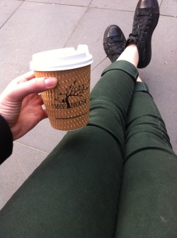 m-ewt:  anxiou-s:  Skinny chai latte in the city :)  owh yeh