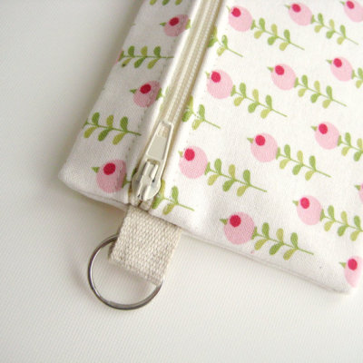 apotospitimou:  (via Summer coin purse wallet ivory white pink green by greengrass2)