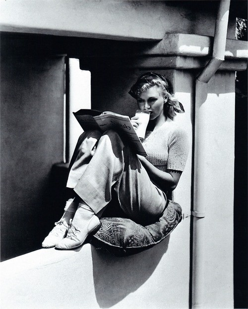 Ginger Rogers reading