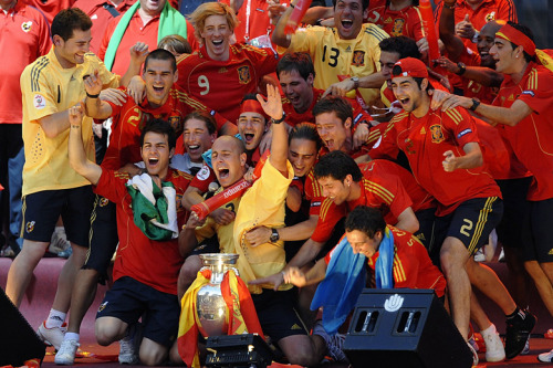 Four years ago today, the Spanish National Football Team won Euro 2008 at the Ernst Happel Stadium, Vienna. HAPPY ANNIVERSARY, BOYS!!!!! ♥ And thank you for that night… :')