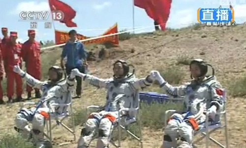 discoverynews:  Success! China's Astronaut Trio Return to Earth The Shenzhou-9 spacecraft touched down safely after a successful 13-day mission to test orbital docking technologies. keep reading  Science:  BEIJING — Early in the morning on 11 January 2007, China fired a missile topped with a kinetic kill vehicle at a spacecraft in low Earth orbit, smashing it to smithereens…. Although the People's Liberation Army (PLA) runs China's space program, leaders here have long maintained that the nation's aspirations are benign…. With much less fanfare, China is developing a number of other kinetic kill weapons and directed-energy technologies such as lasers and high-powered microwave beams to knock out spacecraft…. In the future battlefield of space, China may speak softly, but it carries a big stick. From: News Focus: Run by the Army for the Army?  What I'm following today (June 29) in the economy — Commerce: Personal income rises less than expected Chicago PMI shows signs of a 'seriously slumping economy' Consumer sentimet falls to six-month low We have not yet begun to succeed. Form a more perfect union through 4% growth in the economy. Learn more: http://RonaldGrey.com/JoinMe LEAD the way #GREY2012