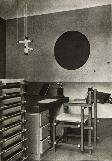 Dr Hartog's consulting room - Maarssen - the Netherlands (1922) -  designed by Gerrit Rietveld