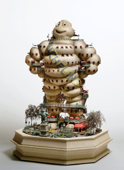 (via Miniature worlds by Takanori Aiba - BOOOOOOOM! - CREATE * INSPIRE * COMMUNITY * ART * DESIGN * MUSIC * FILM * PHOTO * PROJECTS)