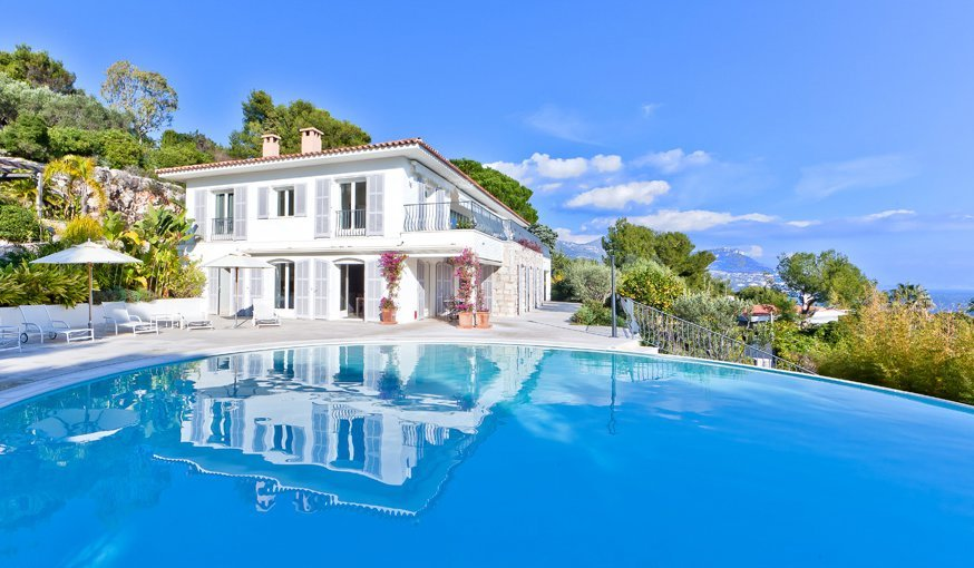 As prime locations go on the Cote d'Azur this property epitomises the 'ideal location', In St Jean Cap Ferrat, close to the Grand Hotel Cap Ferrat. 450 sq.m living space and 7 bedrooms with out of this world views.