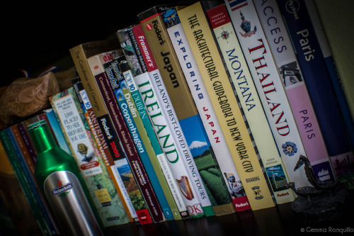 Photo a Day June…Day 28 {On the Shelf} I'm a travel luffin woman with itchy feet. Thankfully, we're doing a lot of road tripping this summer :D