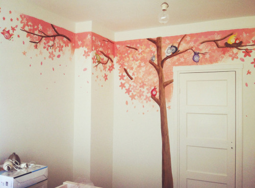 One two birdy tree is a wallpainting with the power to teach colors and numbers to children. Sweet cherry blossom birdy dreams! -Acrylic paint on latex
