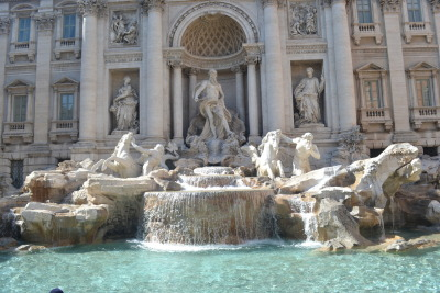 Trevi fountain(via imgTumble)