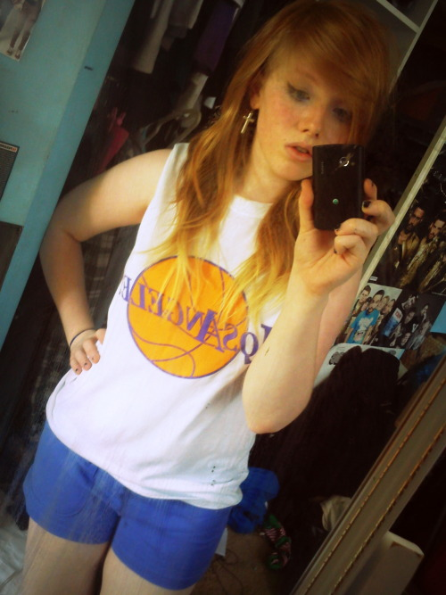 unintentionally dressed myself like i'm about to play basketball wbu