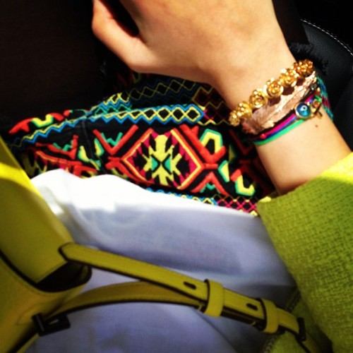 #tribal #navajo shorts, a full on #leivankash #armparty & that #neon #reedkrakoff bag! (Taken with Instagram)