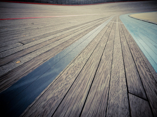 hm7:  Velodrome (Taiwan) by Father_TU on Flickr.