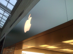 Apple Store Lenox Mall on Flickr.