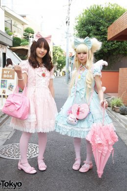 whitefrills:  From the streets of Harajuku.