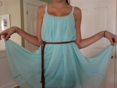 island-breezes:  h2o-kids:  new dress :)  queued.x
