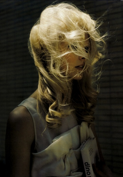moldavia:  Ingerid Maske in Elle Italia November 2008 by Luis Sanchis