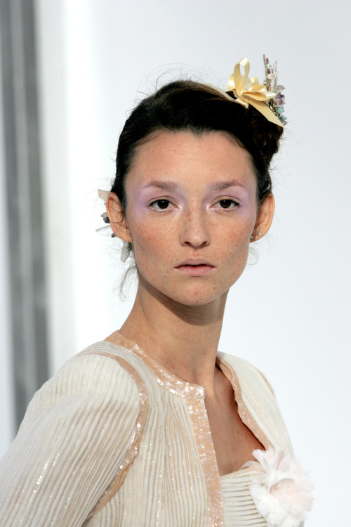 audrey marnay at chanel haute couture spring 2006