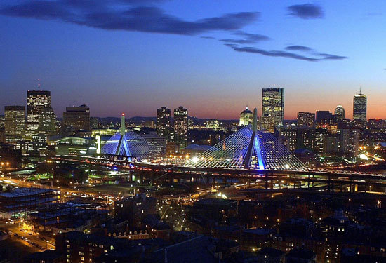 Boston continues to see population increase  The city's population increased 1.2 percent from 2010 to 2011, new US Census data shows. (Evan Richman/Globe Staff/file)