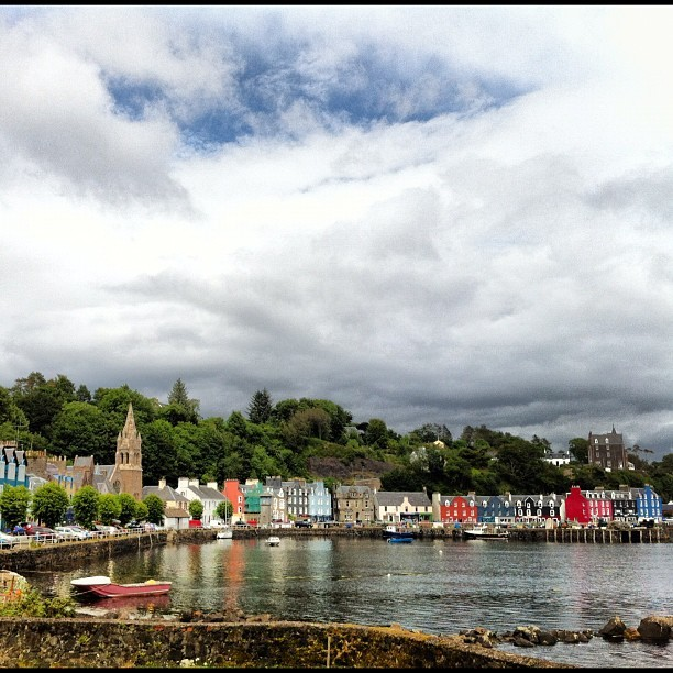 Tobermory Harbor #igdaily #instagood #instahollic #followme #instamood #popmeth #popular #photooftheday #gb #uk #britain #igersoftheday #instagold #allshots #webstagram #instahub #water #scotland #tobermory #mull #clouds #sky #scene #cute #colorful #colours#view  (Taken with Instagram at Tobermory)