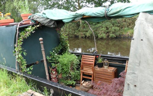 Living on a Barge on the Canal - The Staffordshire & Worcester canal, Gailey, Staffordshire.