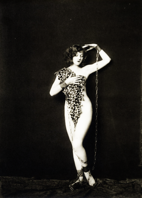 Ziegfeld girl photographed by Alfred Cheney Johnston, 1925