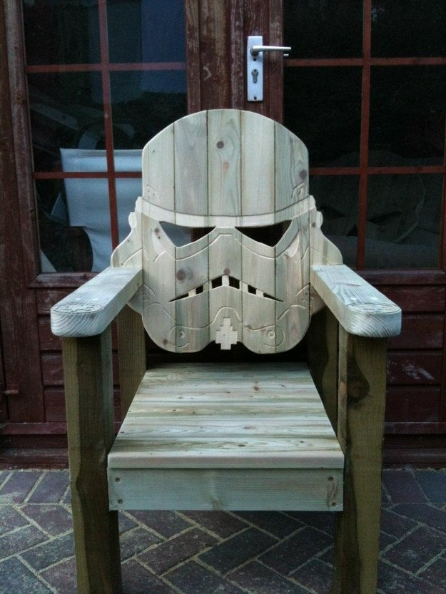 jaymug:  Star Wars Stormtrooper Deck Chair