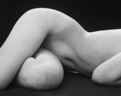sicksin:   Ruth Bernhard, 1975.