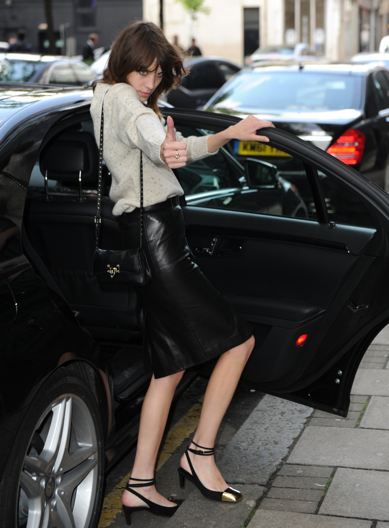 earlysunsetsovermonroeville:  Alexa Chung at TOPSHOP Oliver Spencer Fashion Show in London - June 15, 2012