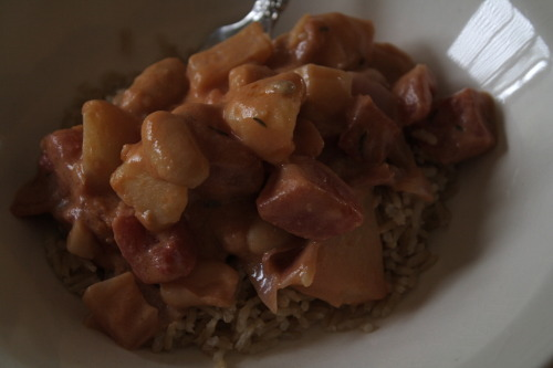 I made this peanut stew today! (Slightly modified) recipe via The Vegan Stoner. I was determined to make this without running to the grocery store, so I used creamy peanut butter and threw in some sunflower nuts for crunch! Also didn't have any chickpeas in the cupboard (horror, I know), so I used white pinto beans. Pretty delicious.